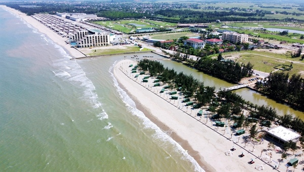 Hoa Tien Paradise - Xuan Thanh Golf & Resort complex (Nghi Xuan district - Ha Tinh) invested thousands of billions of VND just opened and now has to