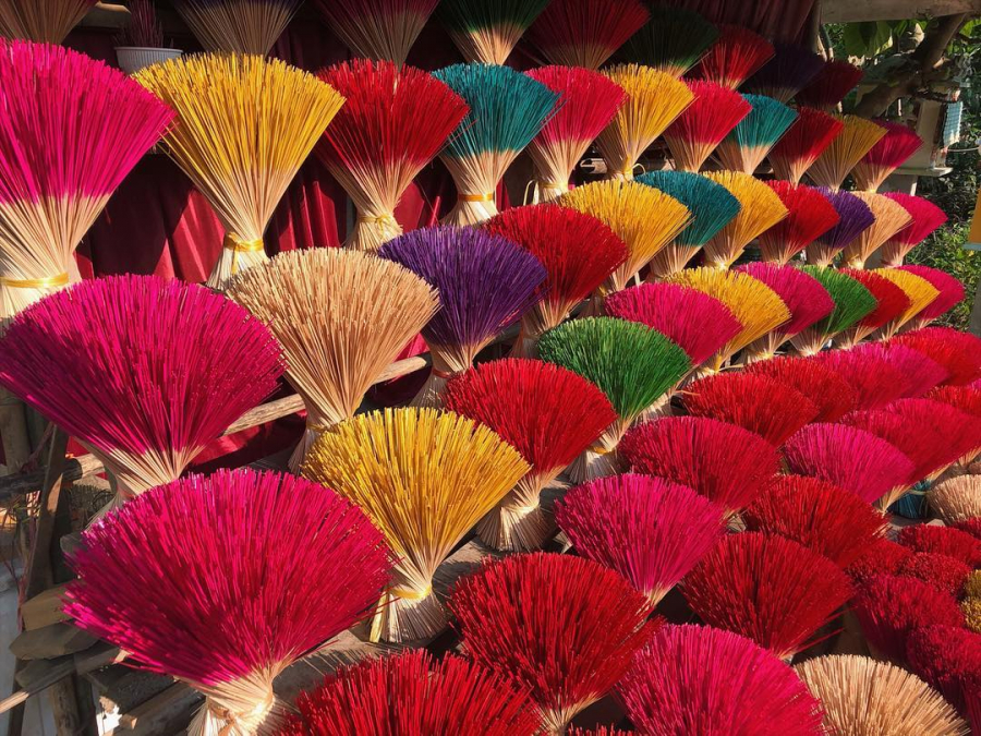 Most of the households living here are engaged in incense production.
